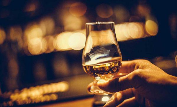 Online Whisky Tasting Schottland